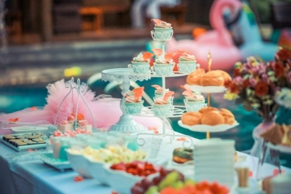 FANTASIA EVENTS catering - lamonade drink bar - candy bar gia vaptisi cup cakes - glyka gia vaptisi (9)