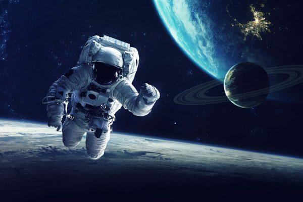 ekpaideusi astronauton
