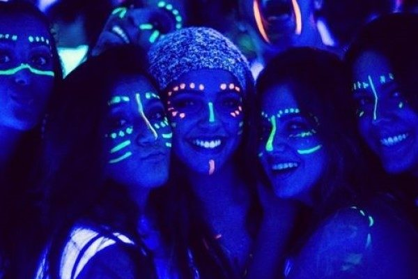 glow party teenager