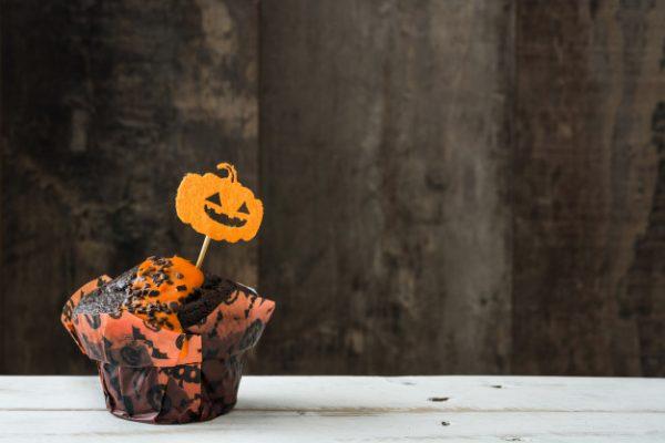 idees gia halloween party halloween etairiko party halloween ekdilosi event halloween diakosmisi halloween glyka halloween kataskeves (29)