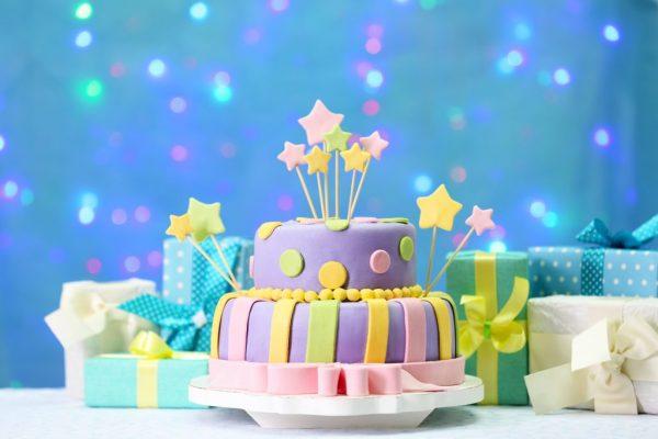 tourtes- cake-glyka gia party